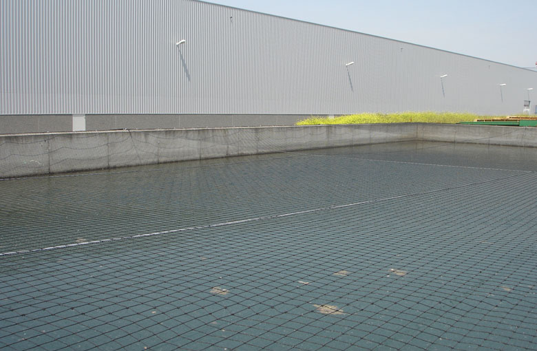Water reservoir cover nets