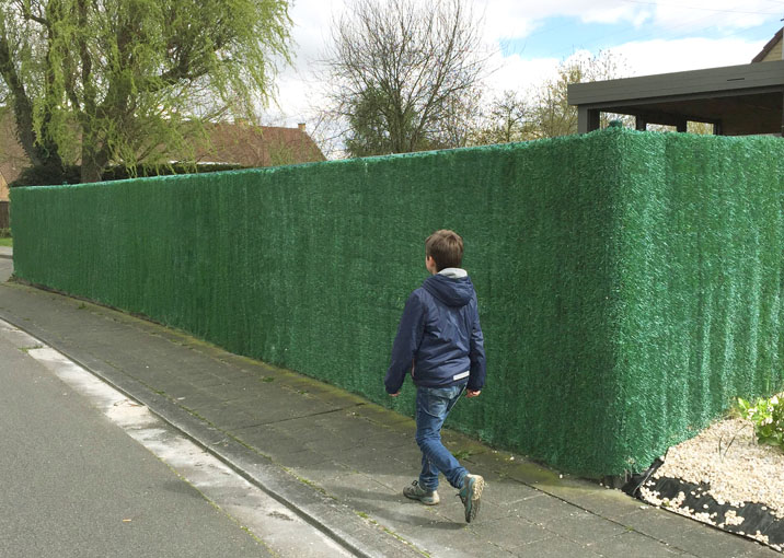Artificial hedge screening
